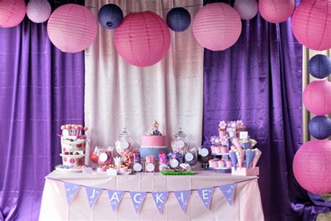 Single Color Party Themes