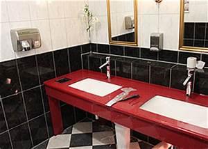 Holz Im Nassbereich : naturstein f r ihr bad waschtischplatten duschr ckw nde kantenprofile beckenausschnitte ~ Markanthonyermac.com Haus und Dekorationen