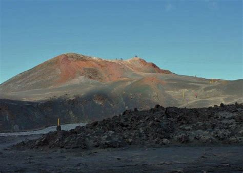 Hiking Tour To Fimmvorduhals Volcano Guide To Iceland