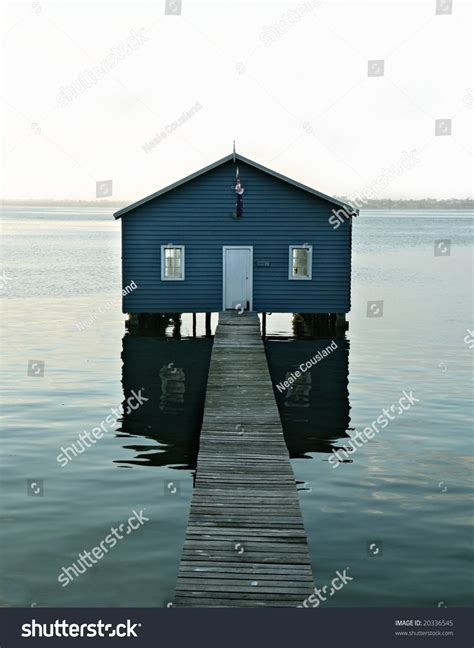 Boatshed In Perth by Boatshed On The Swan River Perth Stock Photo 20336545