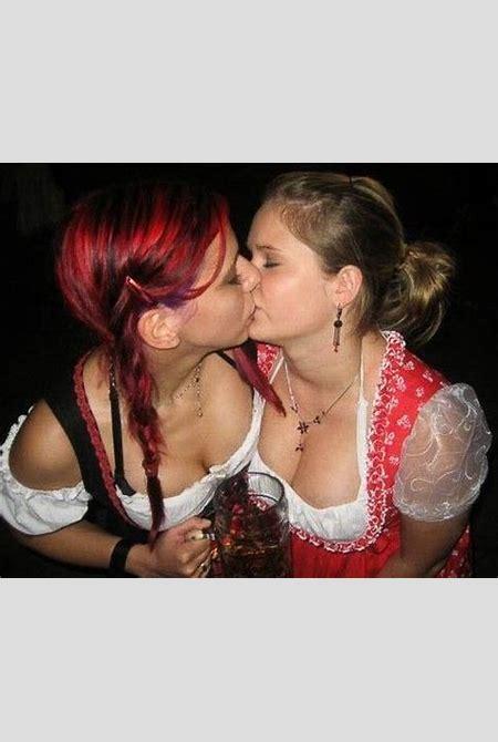 Sexy Oktoberfest | RomaniaHot