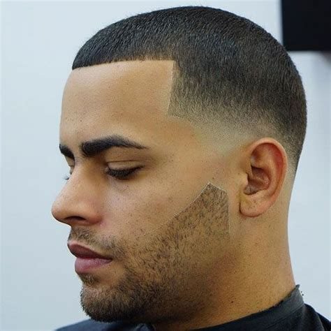 If you are serious about learning how to barber we walk you through step by step. 21 Best Low Fade Haircuts For Men (2020 Guide) | Hair ...