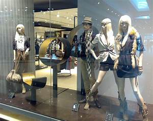 Visual Merchandising Einzelhandel : autumn winter 2010 window sfera store alexandria egypt ahmed menna designs pinterest ~ Markanthonyermac.com Haus und Dekorationen