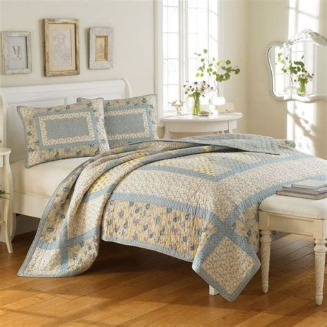 Quilts And Coverlets by Bedding Bedding Hadleigh Quilt