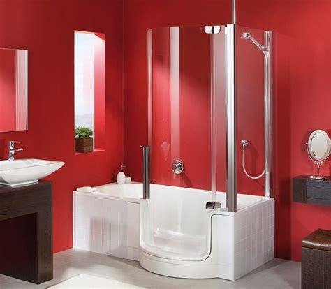cuarto de bano rojo  banera imagenes  fotos