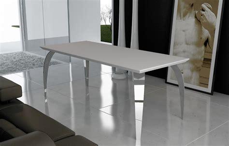tavolo corian foto tavolo logica con piano di dupont corian 174 e gambe