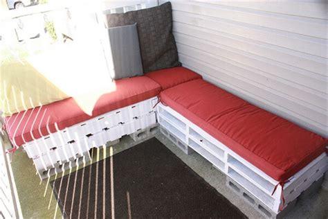pallet patio furniture easy making  pallet furniture