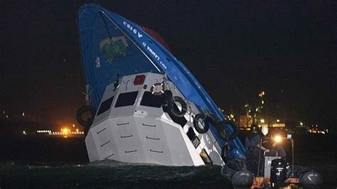 Banana Boat Accident Portugal by Choque Entre Barcos Faz 36 Mortos Em Hong Kong Bombeiros