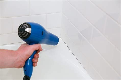 Remove Mildew From Caulk Around Tub by How To Remove Mildew Molded Caulk From Your Bathtub