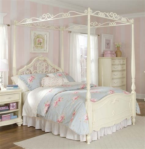 Bedroom Canopy Bed In Gold Finish With Tufted Upholstered