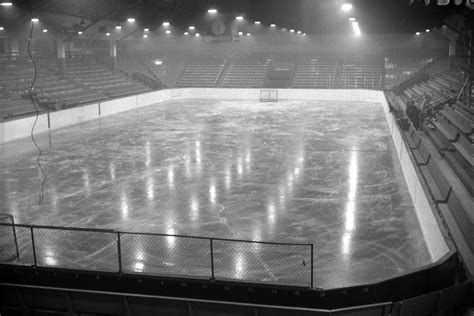 forum rink hockey moderne hockey rink at the forum city of vancouver archives
