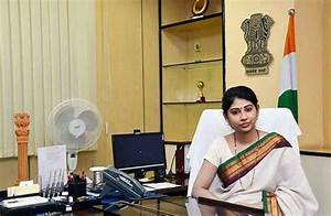 Smita Sabharwal IAS: First Lady IAS Appointed to Chief ...