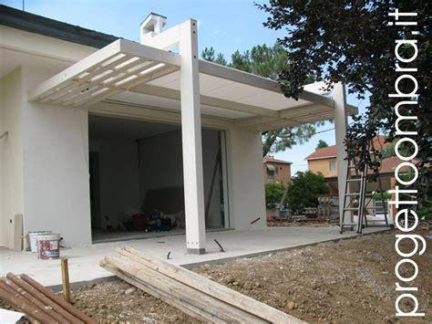 supporto per tettoia pergola addossata con lamelle in legno pergole