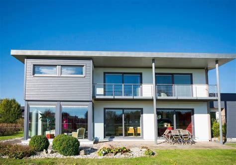 Moderne Häuser Günstig by Wohnbau Arnold Hightech In Beton Holz Und Stahlbau