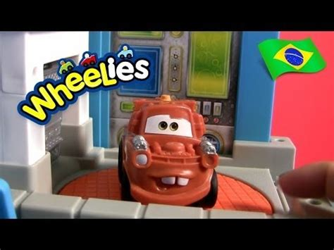 wheelies garagem  mate carrinhos brinquedos disney pixar