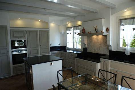 cuisines provencales fabricant cuisines provençales moderne en chêne réalisée à orsan