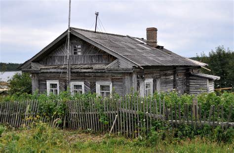 Wooden Houses Of Kovda Village · Russia Travel Blog