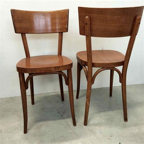 chaises de bistrot chaise de bistrot baumann vendues par deux en bois blond
