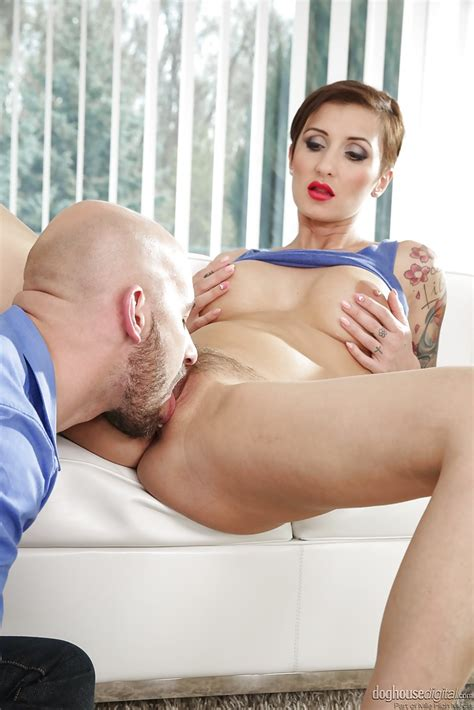 Short Haired Italian MILF With Sexy Tattoo Owned Into A