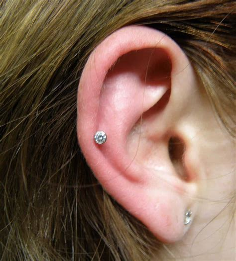 100+ Helix Piercing Ideas, Experiences and Information