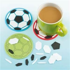 Loisirs Créatifs Enfants : football bricolage activit s manuelles loisirs ~ Melissatoandfro.com Idées de Décoration