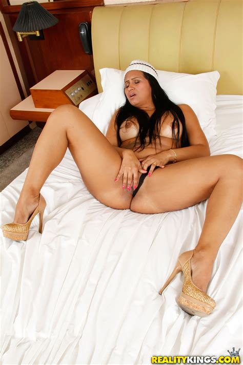big ass brunette is spreading her legs milf fox