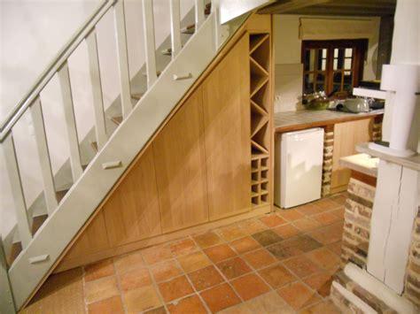 cuisine ch麩e massif ilot cuisine bois massif 14 meuble sous escalier en ch234ne massif brodie