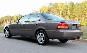 1997 Acura Tl  U2013 3 2 Liter V6  Automatic  Leather Seats