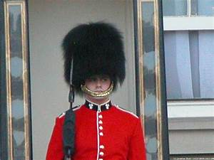 jstottphotography.com: IV04 Conference, London - Guard at ...