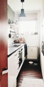 Kleine Schmale Küche Einrichten : vielversprechend schmale k che einrichten bilder ideen couch wikhouse einrichten k che schmale ~ Frokenaadalensverden.com Haus und Dekorationen