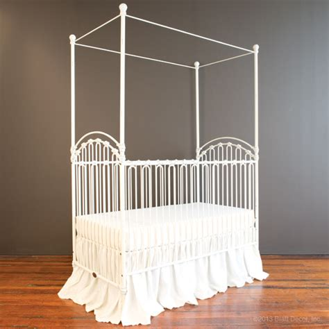 bratt decor venetian crib antique white venetian crib distressed white