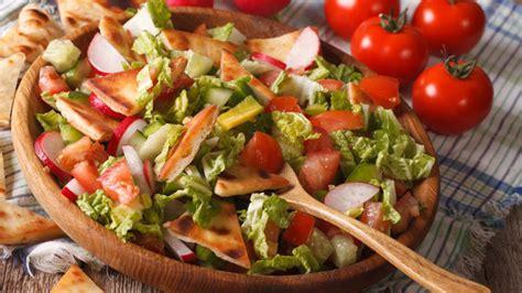 Sallata Fatush, një recetë tradicionale nga kuzhina arabe ...