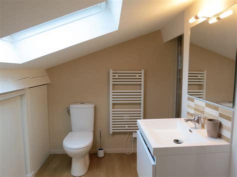 eclairage chambre mansard馥 placard pour chambre mansardee amenagement salle de bain sous les combles salle de with placard pour chambre mansarde