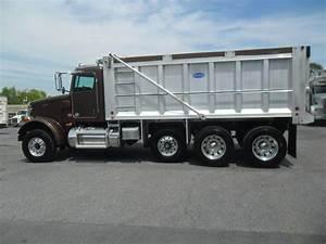 2016 Peterbilt 365 Tri Axle Dump Truck