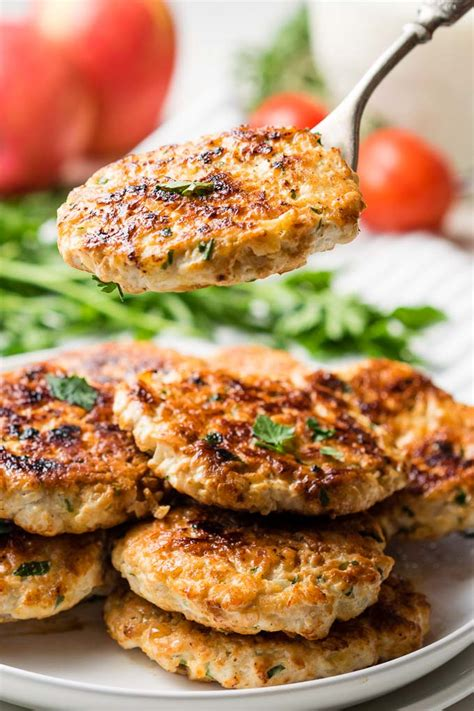 Plus, it works well in just about everything: Chicken Apple Gouda Sausage Recipe - Chicken Breakfast Sausage - Easy Homemade Recipe | The ...