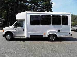 2003 Ford E450 Bus