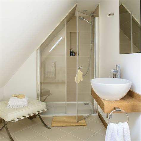 plan amenagement cuisine 8m2 une salle de bain sous pente ou sous combles en 52 photos