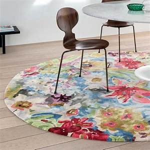 tapis rond de luxe fleuri en viscose par ligne pure With tapis champ de fleurs avec canape original tissu
