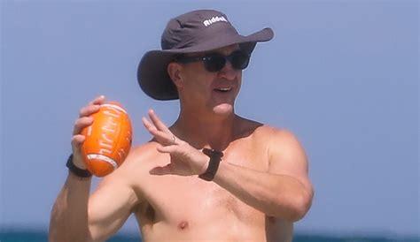 Peyton Manning Flaunts Ripped Abs While Shirtless At The