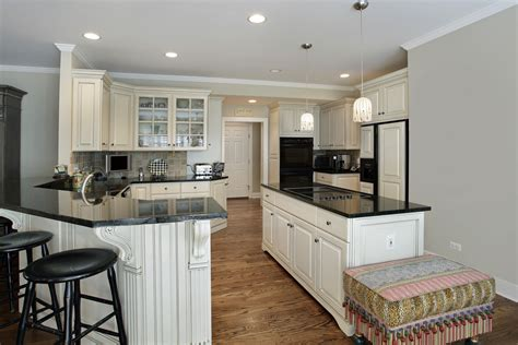 Kitchen With Both Peninsula And Island by 49 Kitchens With Both An Island And A Peninsula Photos