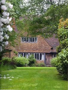 Munstead Wood : Gertrude Jekyll's Home and the First ...