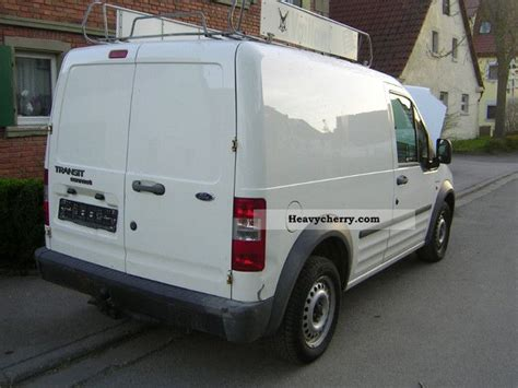 Ford Transit Connect 2005 Box-type Delivery Van Photo And