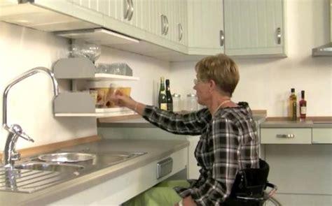 cuisine pour une personne l 39 aménagement d 39 une cuisine pour une personne en fauteuil