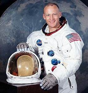 Buzz Aldrin Talks About Alien Building On Mars Moon ...