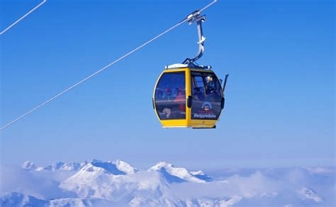 Tourists Stuck In French Alps Cable Cars Rescued