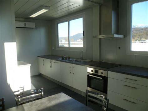 pose cuisine mobalpa installation de 2 bungalows assemblés refectoire avec