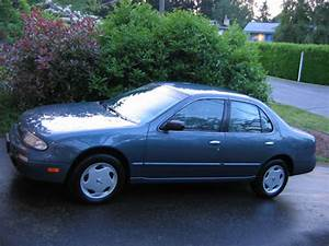 1994 Nissan Altima - Pictures