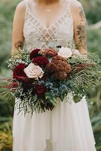 52 Gorgeous Fall Wedding Bouquets | Martha Stewart Weddings  Fall