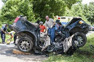 3 Brooks County High football players killed, 1 critical ...  Wreck