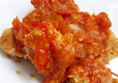 Cara membuat ayam geprek crispy sambal terasi. Sambal Geprek - Resep Sambal Bawang Ala Geprek Bensu Oleh Tiya Christya Cookpad / Cara membuat ...
